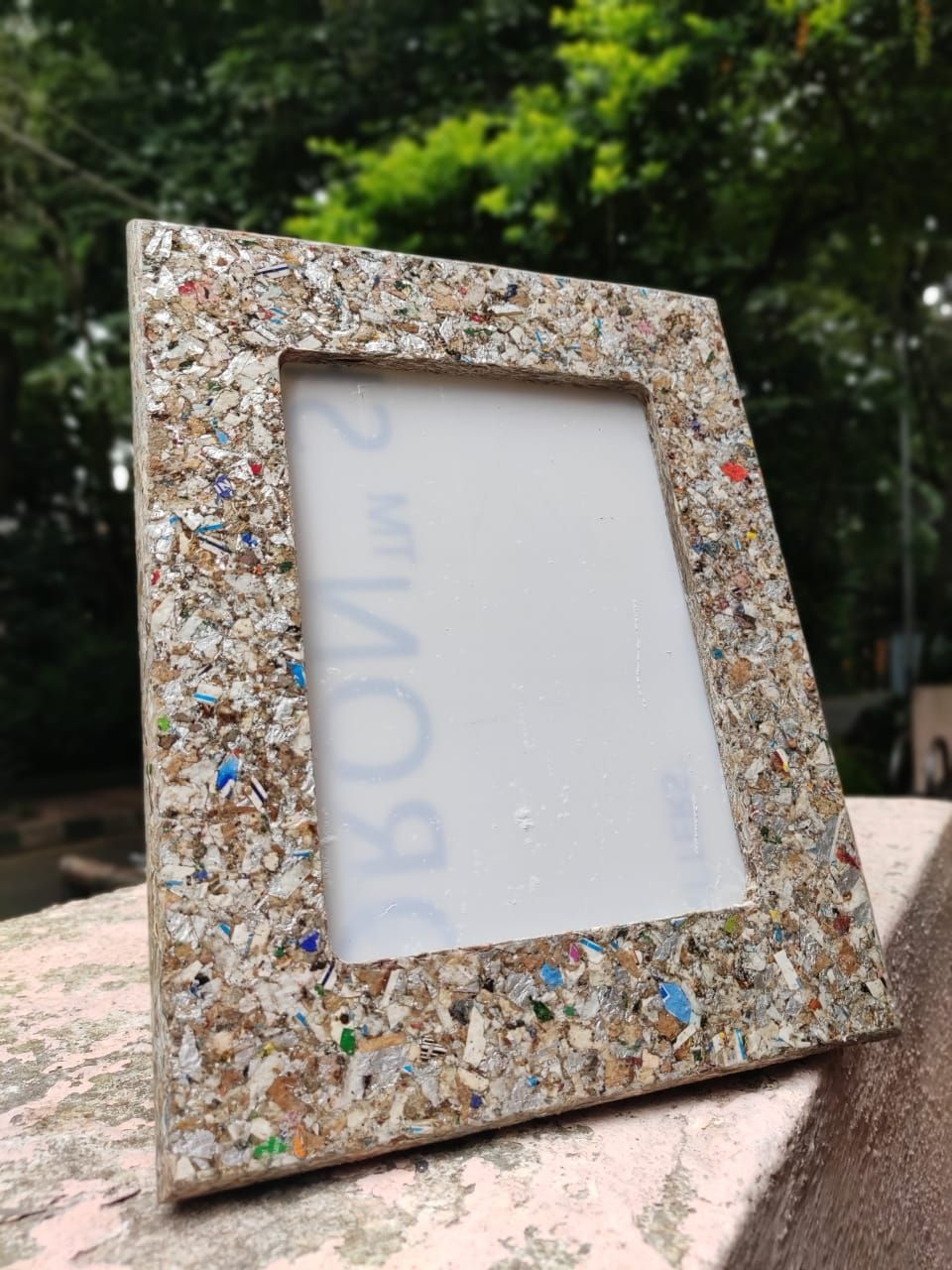 Waste Recycled Products – TETRA PAK PHOTO-FRAME (REPROCESSED)