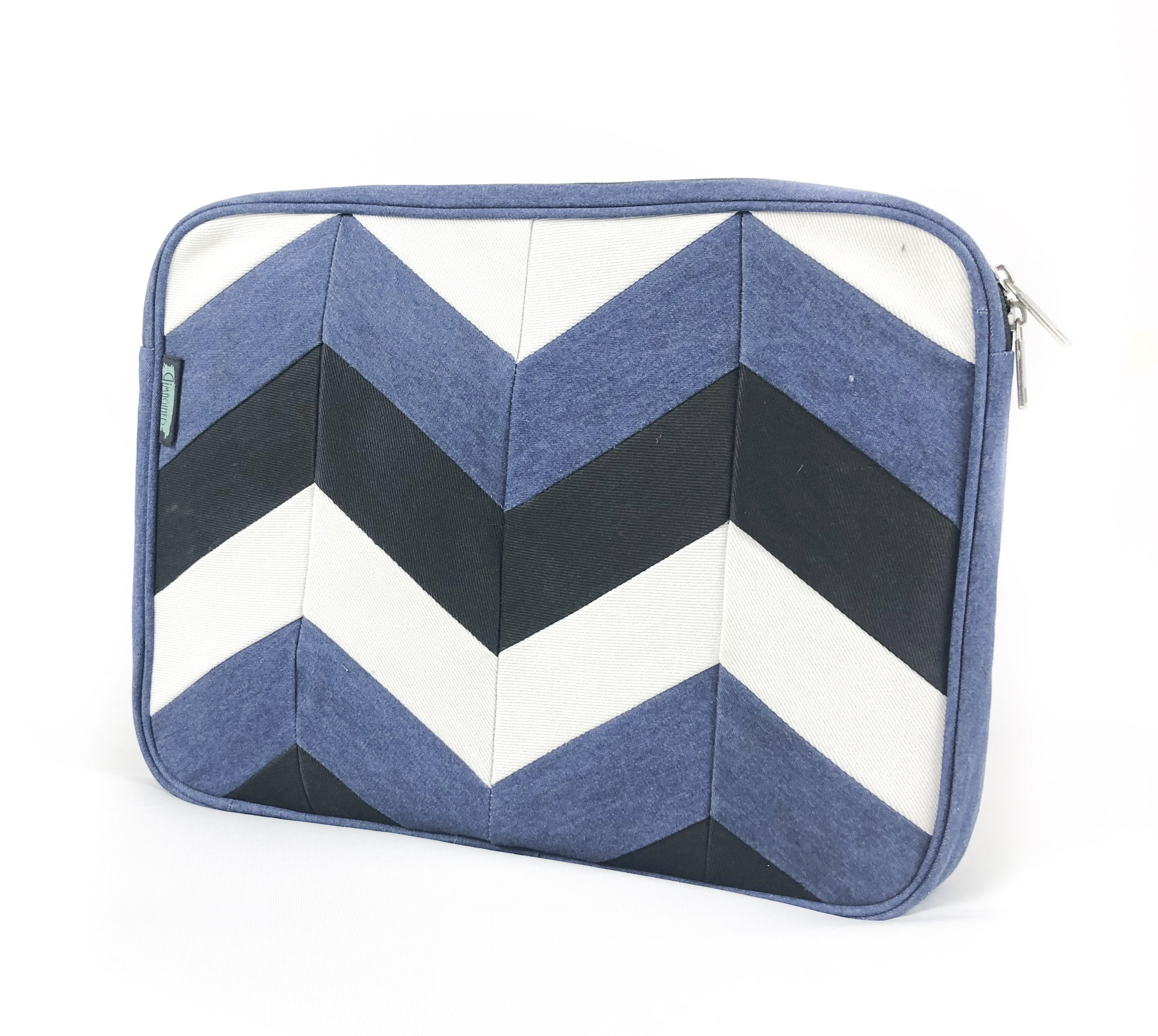 Waste Recycled Products – DENIM LAPTOP SLEEVE (CHEVRON)
