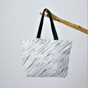 Waste Recycled Products – BEACH BAG - GREEN & WHITE