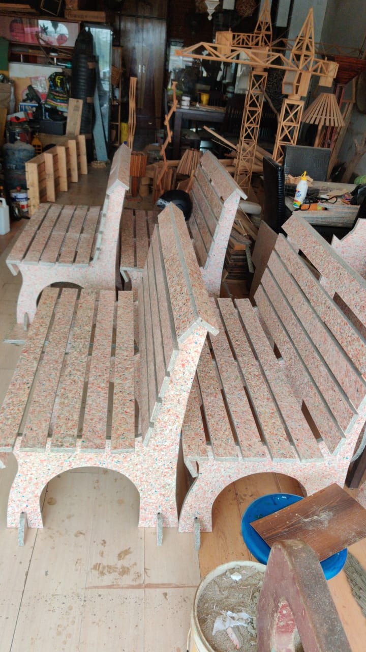 Waste Recycled Products – RICRON ECO-BOARD BENCHES